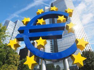 Eurozeichen Skulptur für Eurozone