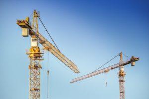 Zwei Kräne verursachen Reisepreisminderung Baulärm