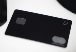 Prepaid Kreditkarte auf weissem Tisch