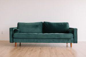 Grünes Sofa gekauft über Rahmenkredit
